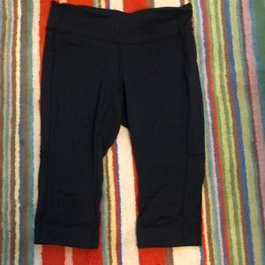 Lucy brand Capri power core pants